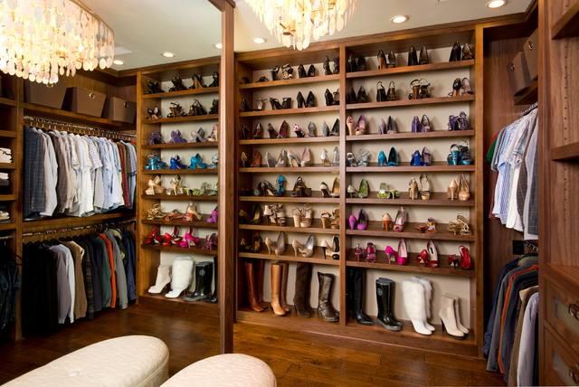 Huge shoe closet