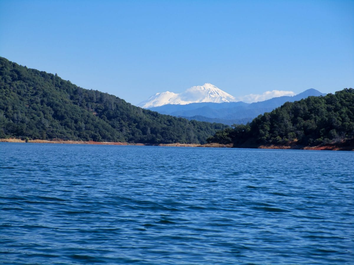 Mount Shasta - Shasta Lake