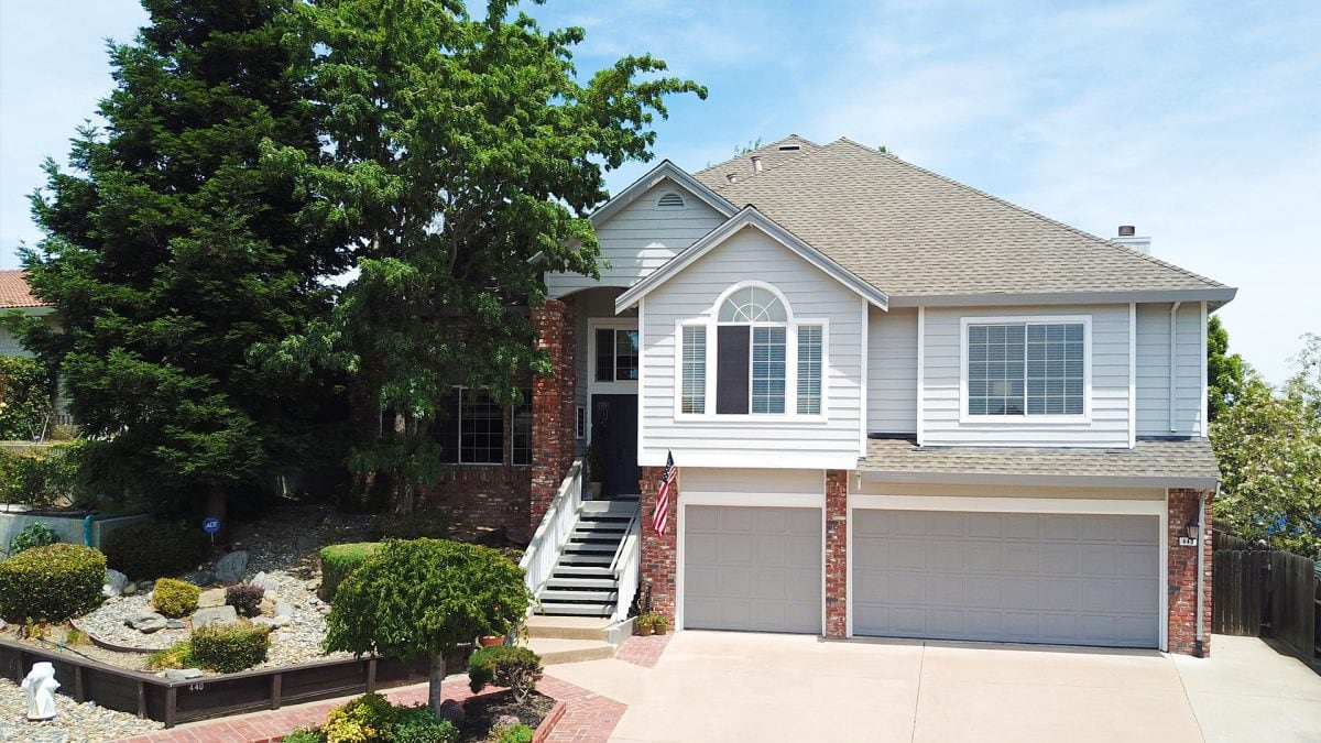 Taking professional listing photos of your home is essential to selling quickly and for top dollar